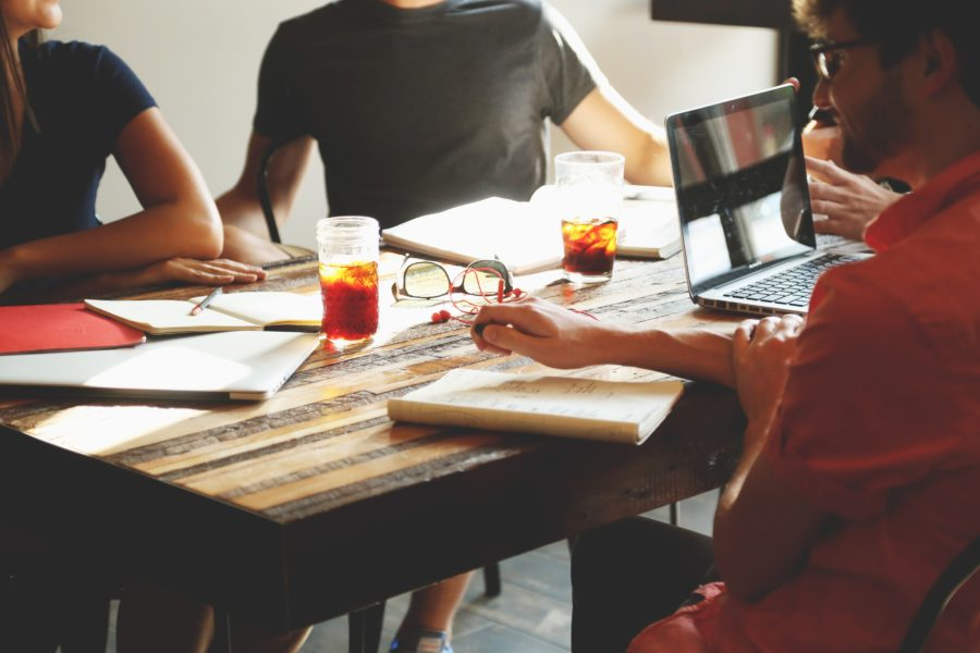 Reasons for Hiring a Content Agency instead of Freelancers